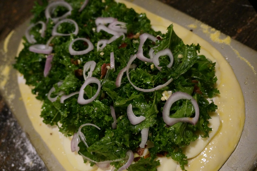 Kale pizza raw