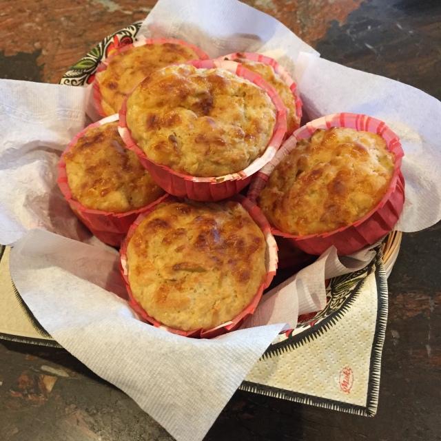 Apple cheddar muffins