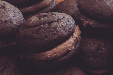 chocolate-nutella-whoopie-pies