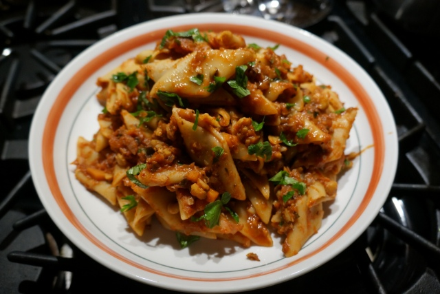 chickpea-bolognese-glam-centred